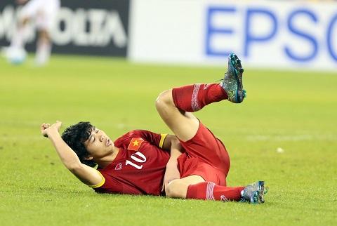 Cong Phuong gay xuong vai, nghi 3 thang hinh anh goc