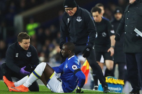 Bolasie nguy co nghi het mua, Everton muon co Depay hinh anh goc