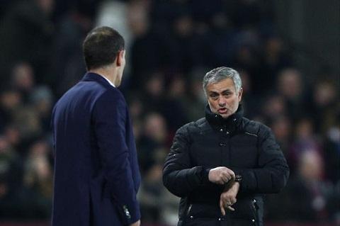 Khi Mourinho gianh chien thang tren duong pitch hinh anh goc 2