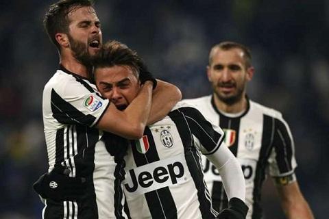 Juventus van dang qua manh tai Serie A