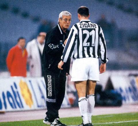 Zinedine Zidane: Nhat ky cua mot Bianconero3