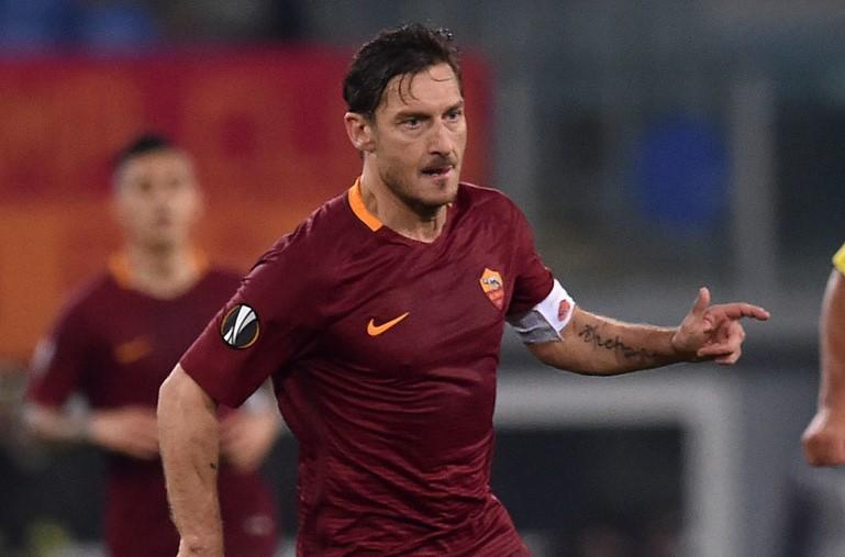 Huyen thoai Totti len tieng ve tuong lai tai Roma