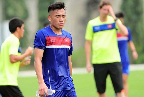 Tien Dung nhan nho sau man tra tan the luc o U20 Viet Nam