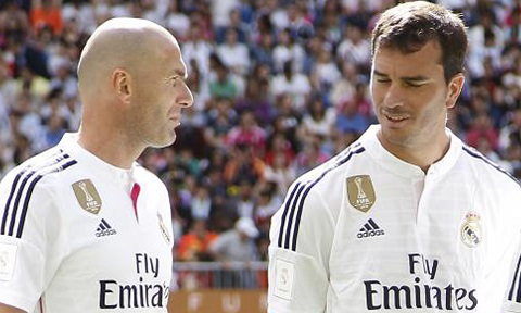 Real Madrid thau tom chau Au voi chien luoc Ronaldos y Asensios hinh anh goc