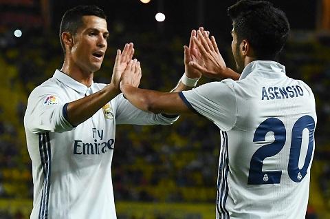 Real Madrid thau tom chau Au voi chien luoc Ronaldos y Asensios hinh anh goc 2