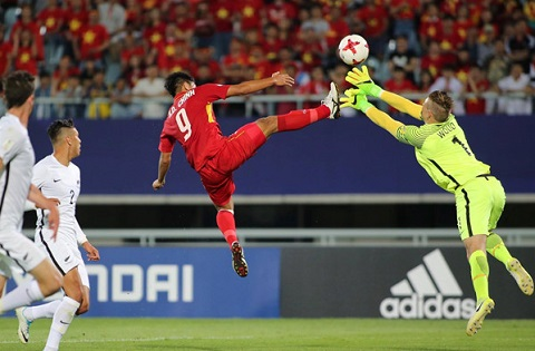 Goc nhin Voi HLV Hoang Anh Tuan, hoa U20 New Zealand la that bai hinh anh goc