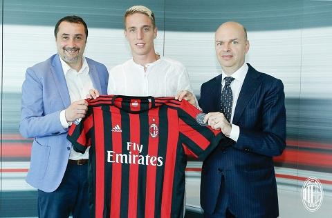 AC Milan chinh thuc co tan binh thu bay, can moc 150 trieu euro hinh anh goc