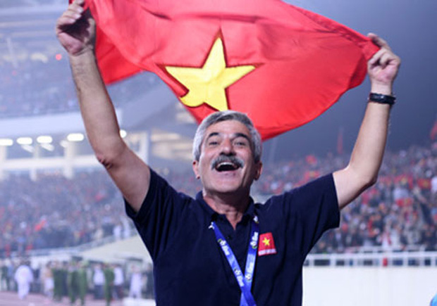 HLV Henrique Calisto là HLV được kí hợp đồng lần 2