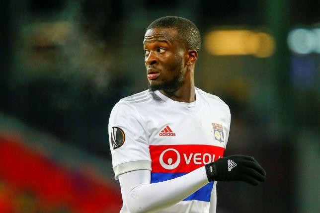 Lyon chot gia ban may quet cho Man City
