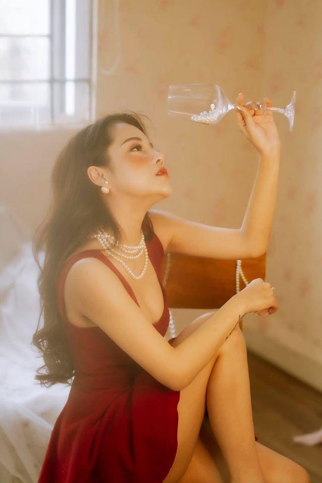 Bạn gái cũ của Đặng Văn Lâm gây sốt với bộ ảnh đầy quyến rũ hình ảnh