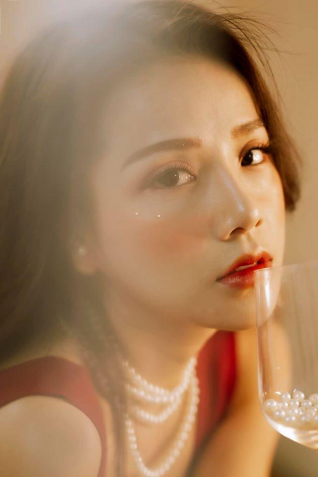 Bạn gái cũ Đặng Văn Lâm gây sốt với bộ ảnh đầy quyến rũ ảnh 9