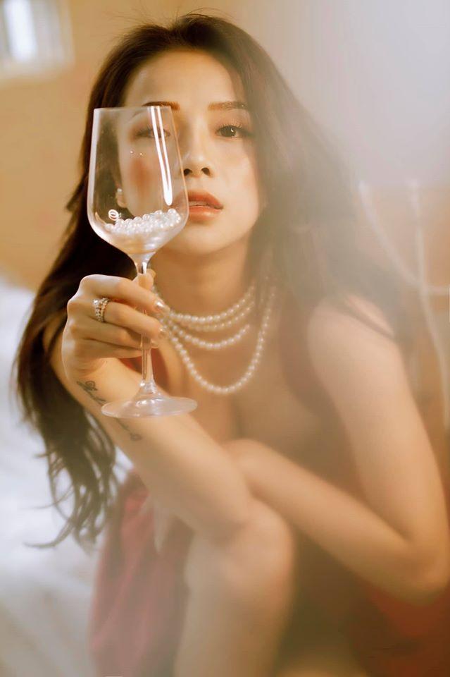 Bạn gái cũ Đặng Văn Lâm gây sốt với bộ ảnh đầy quyến rũ ảnh 8