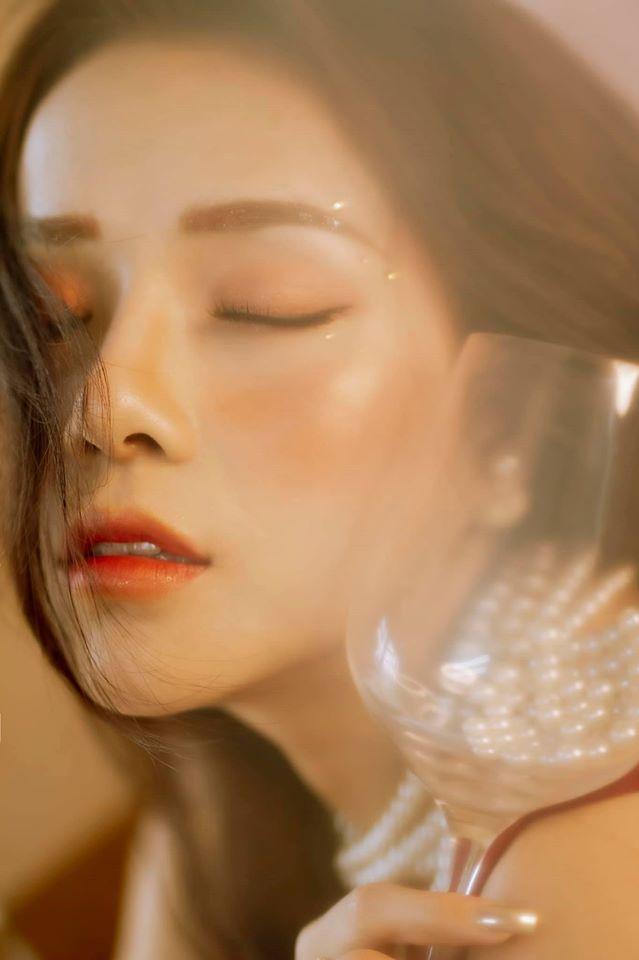 Bạn gái cũ Đặng Văn Lâm gây sốt với bộ ảnh đầy quyến rũ ảnh 15