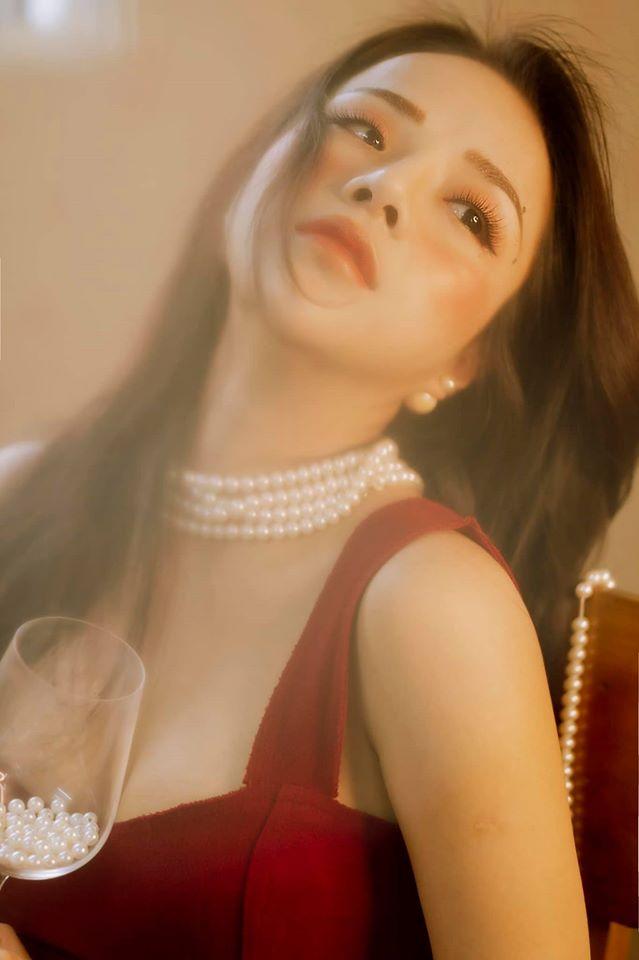 Bạn gái cũ Đặng Văn Lâm gây sốt với bộ ảnh đầy quyến rũ ảnh 11