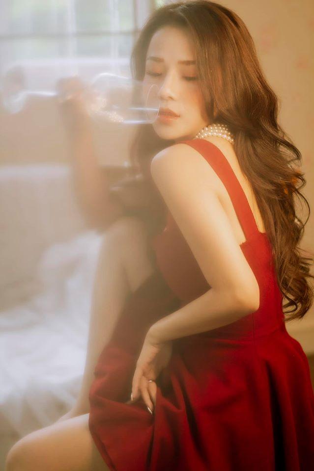 Bạn gái cũ Đặng Văn Lâm gây sốt với bộ ảnh đầy quyến rũ ảnh 10