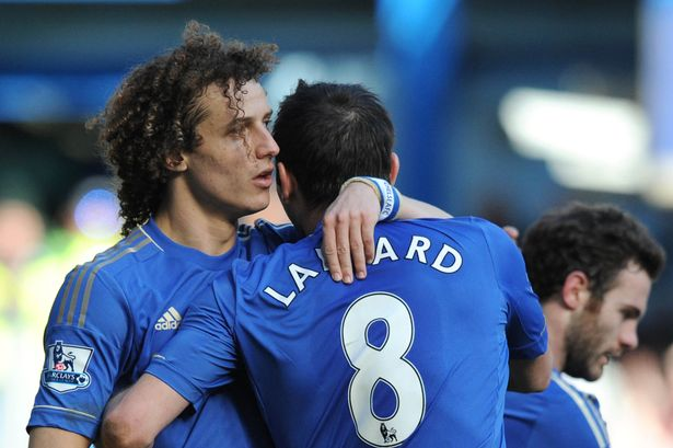 Chelsea doi dau Arsenal va 'noi am anh' mang ten… David Luiz2