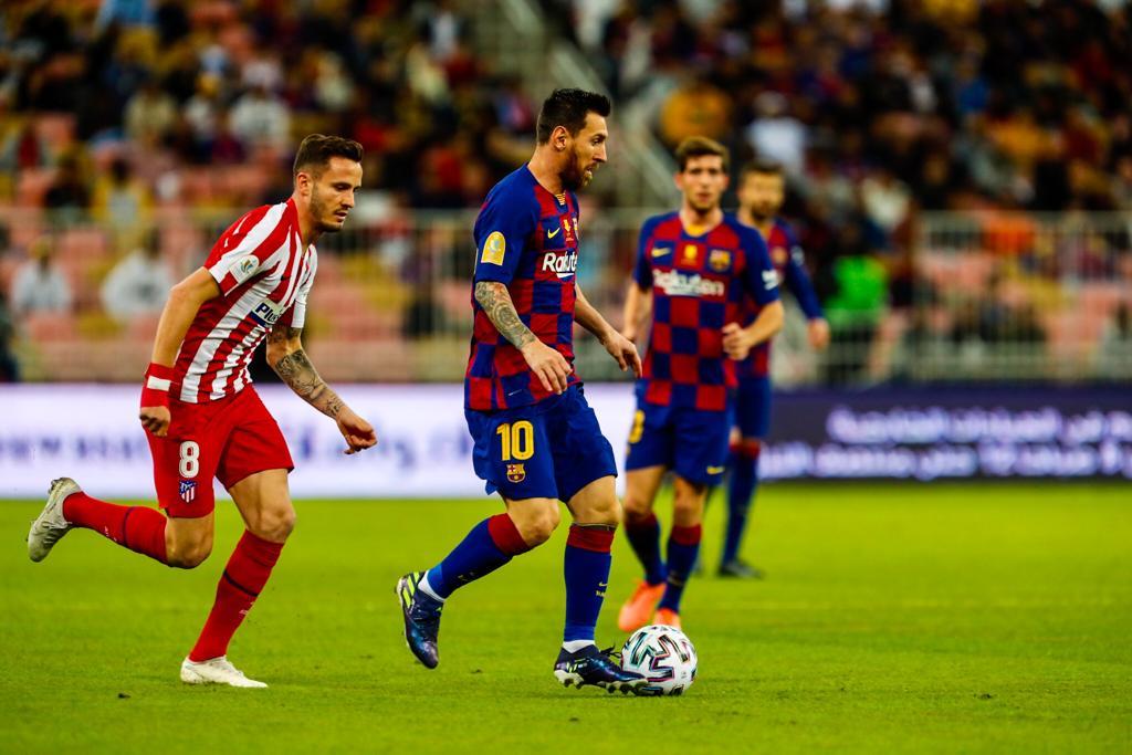 Messi khong the hien duoc nhieu trong hiep 1