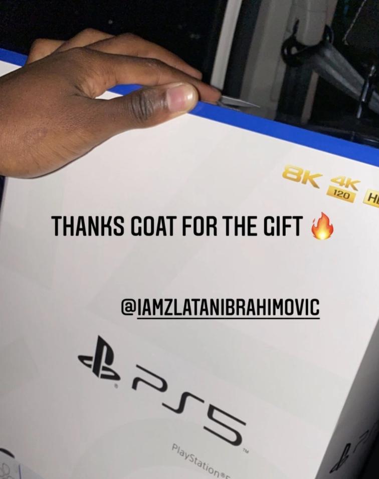 Zlatan Ibrahimovic nổi hứng tặng toàn đội AC Milan siêu phẩm hình ảnh