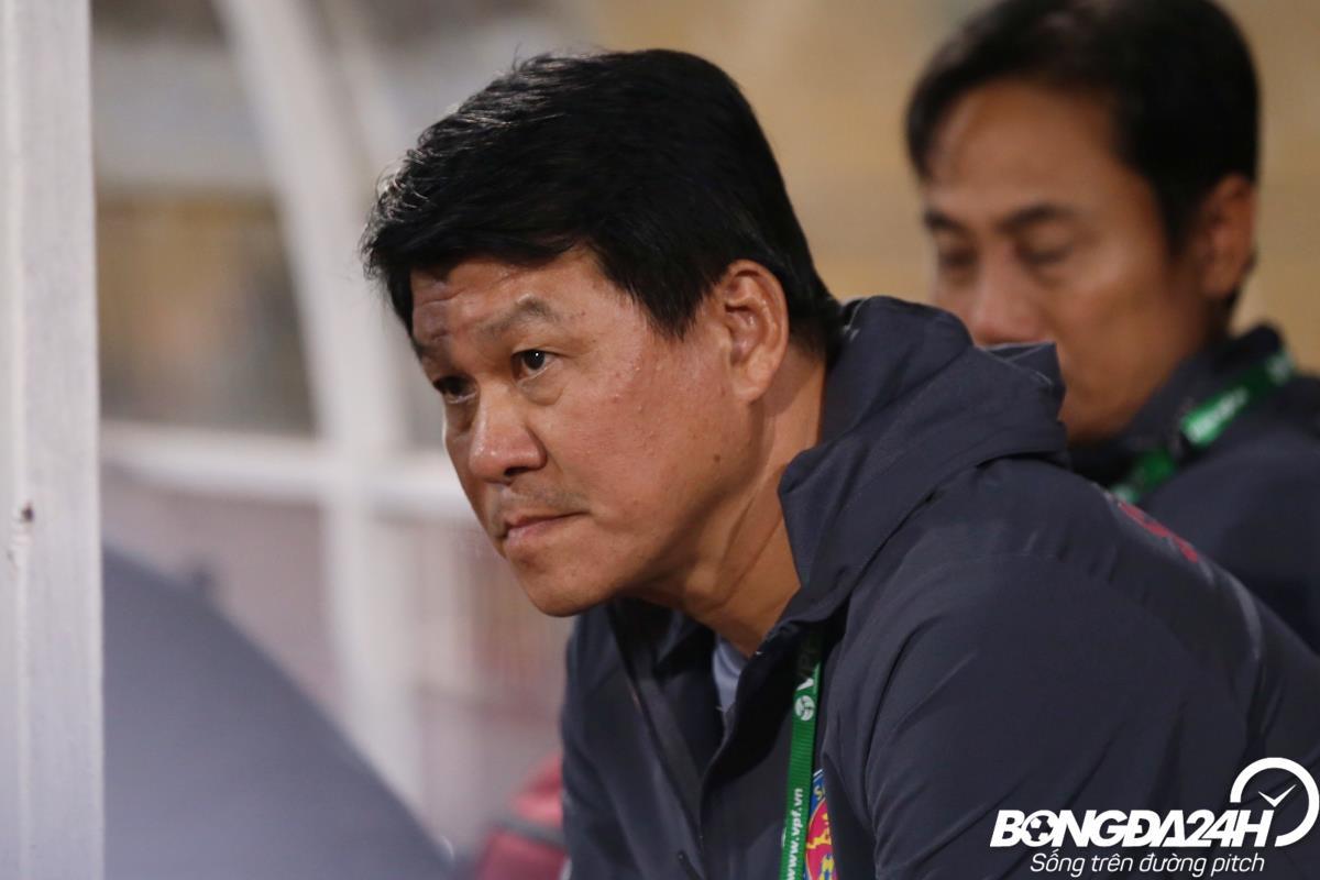 HLV Vũ Tiến Thành chia sẻ cực gắt sau trận thua Hà Nội hình ảnh