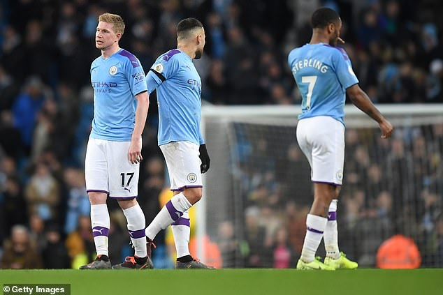 Man City bi cam tham du Champions League 2 nam toi