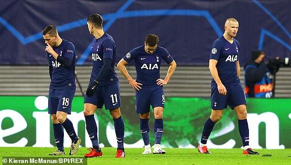 Tottenham the hien mot bo mat that vong trong 45 phut dau tien