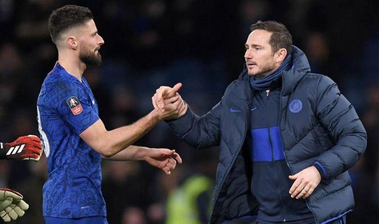 Olivier Giroud cảm ơn Chúa vì được ở lại Chelsea hình ảnh