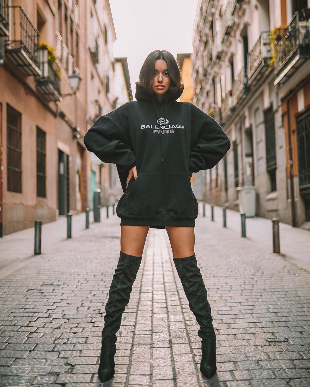 Marta Diaz không chỉ xinh đẹp, cô còn là một youtuber nổi tiếng hình ảnh