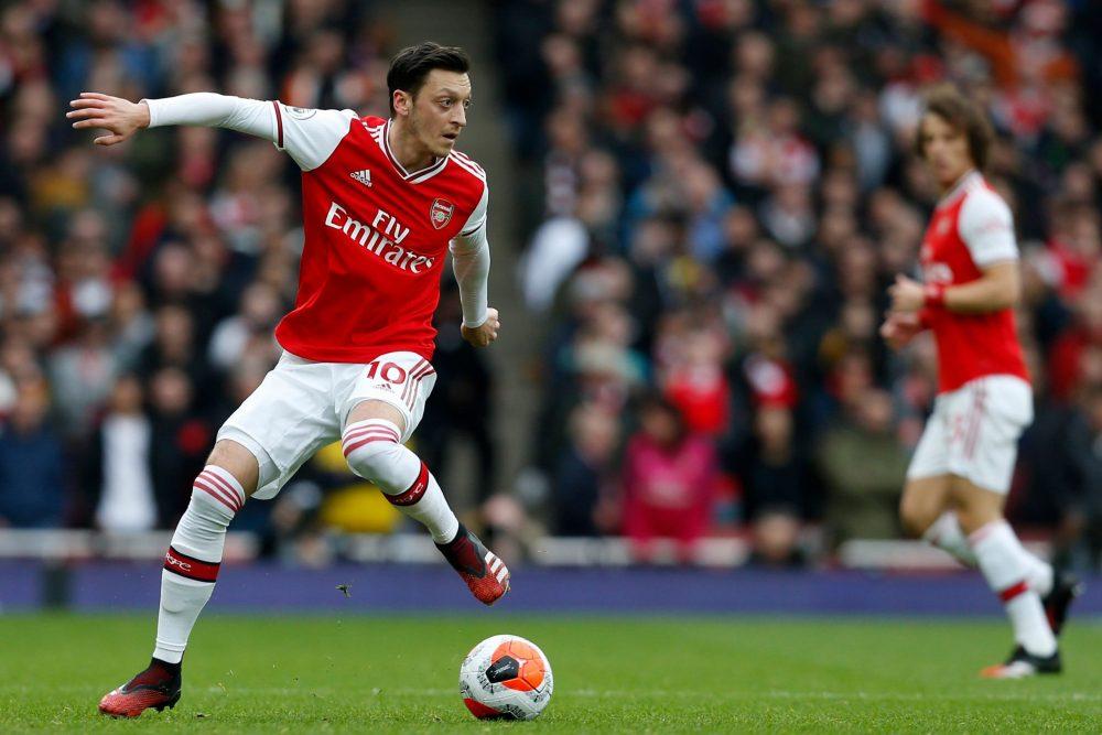Thieu Mesut Ozil, phai chang Arsenal dang thieu di su sang tao?
