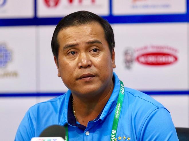 Huấn luyện viên Nguyễn Thanh Sơn - HLV trưởng Becamex Bình Dương hình ảnh
