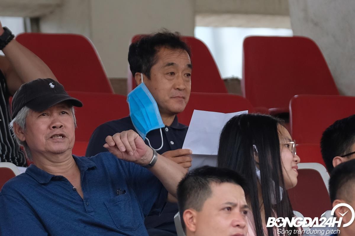ẢNH Văn Toản mất điểm trong ngày trợ lý Lee dự khán hình ảnh