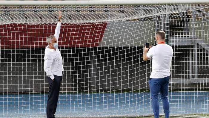 Thắng hú vía Brighton, HLV Solskjaer bất ngờ cảm ơn Mourinho hình ảnh