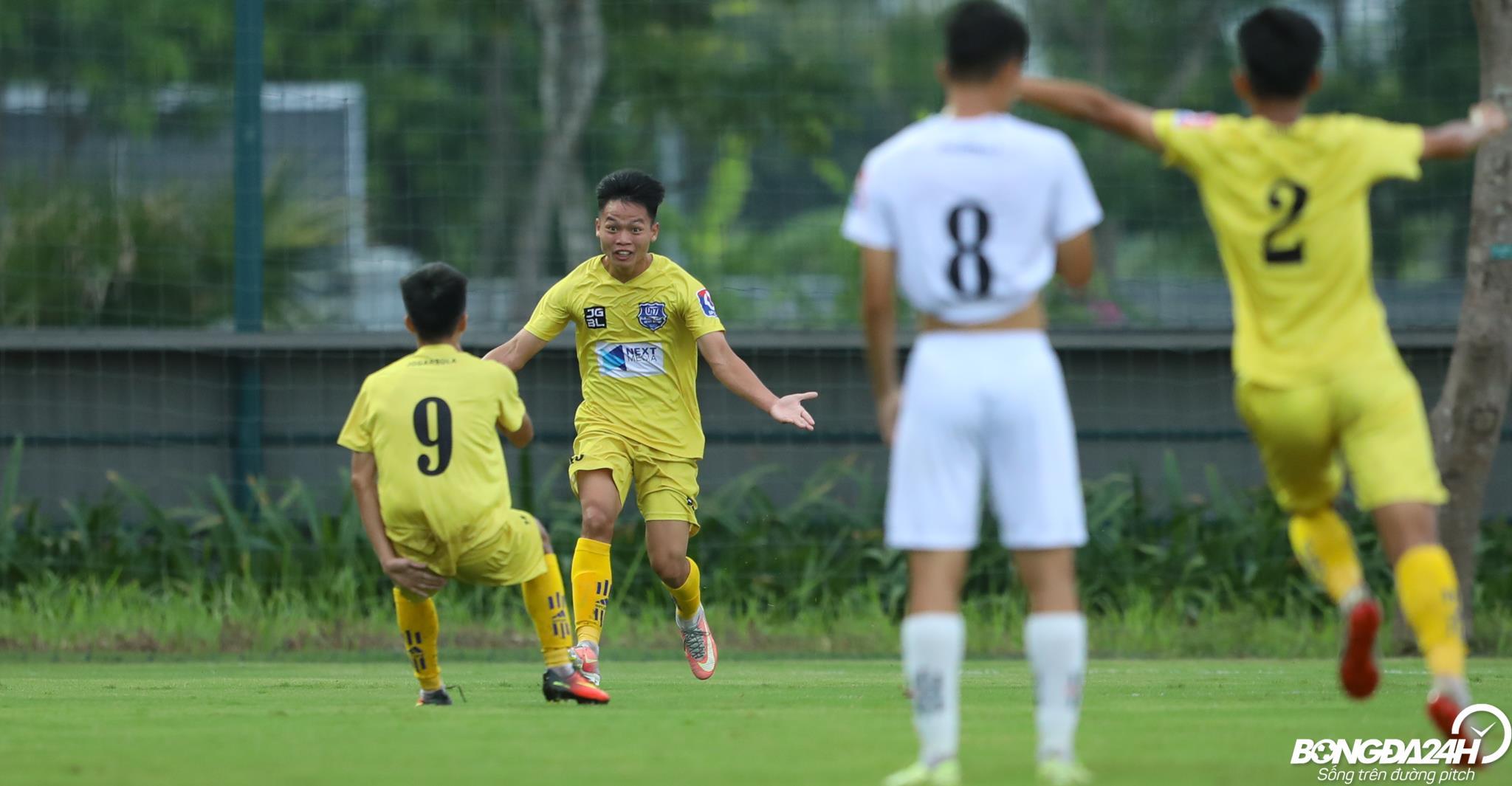 Ho Van Cuong U17 SLNA vs U17 Nutifood