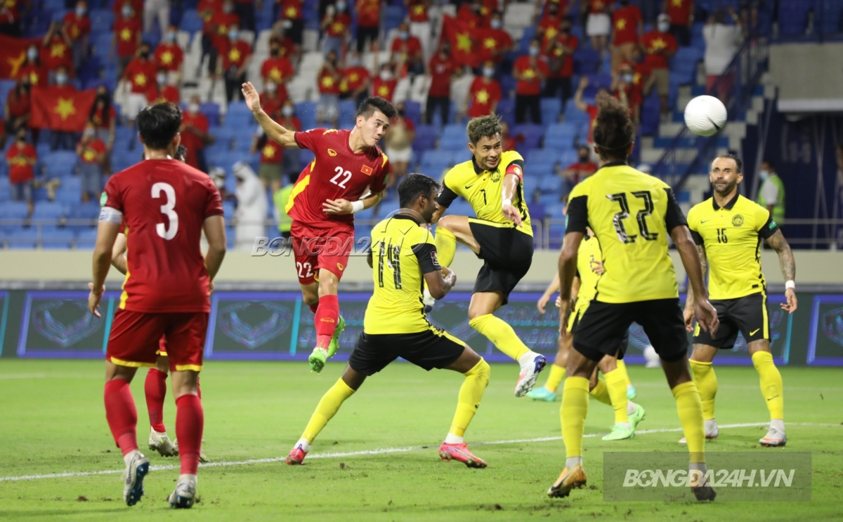 Tien Linh headed to score against Malaysia 11/6