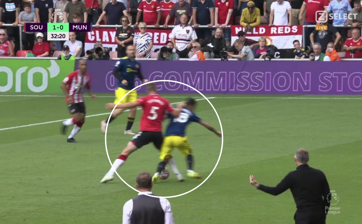 MU conceded a goal against Southampton after the situation of losing the ball of Bruno Fernandes