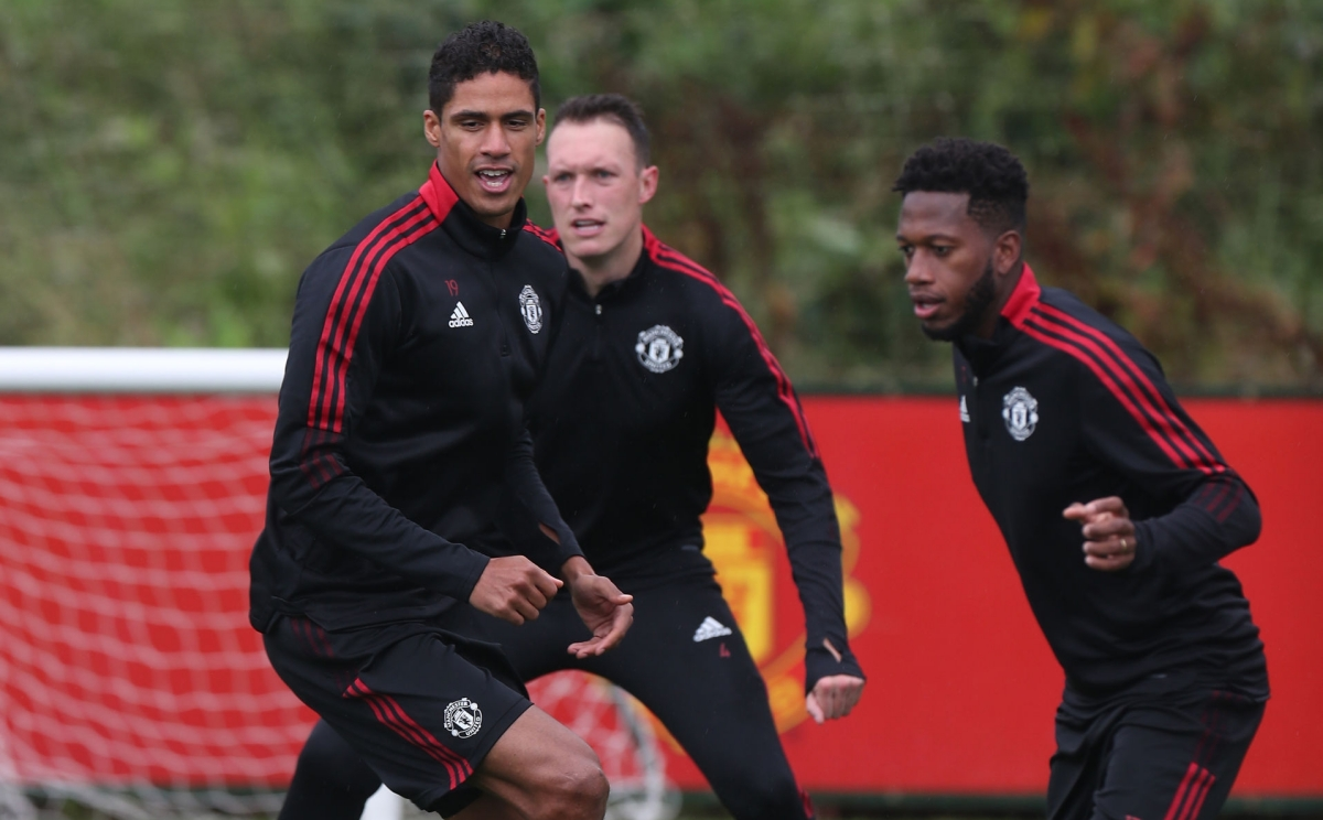 Phil Jones doesn't have to give up his shirt to Varane