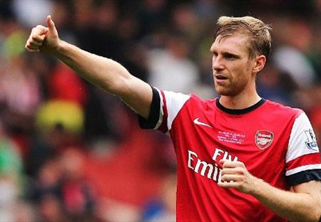 Mertesacker cho rang Arsenal can cai thien hang thu