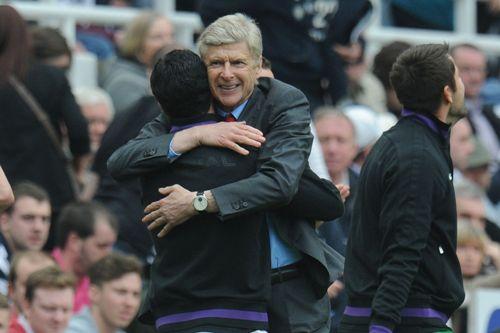 Câu lạc bộ Arsenal Thay đổi và hy vọng hình ảnh