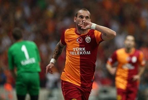 Ban tin chuyen nhuong bong da toi 8.1 Sneijder dong y gia nhap Juve hinh anh