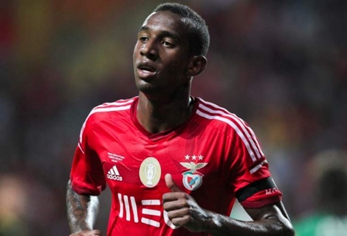 Anderson Talisca trong mau ao Benfica