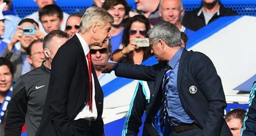 Mourinho ti nanh vi khong duoc yeu nhu Wenger hinh anh