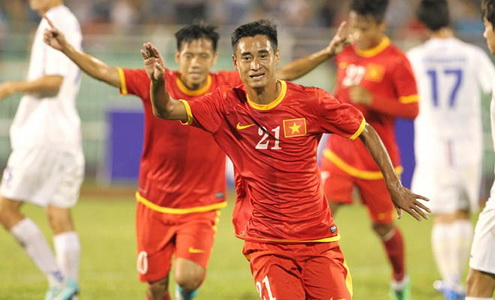 AFF Cup 2014 DT Viet Nam co loi the lon hinh anh