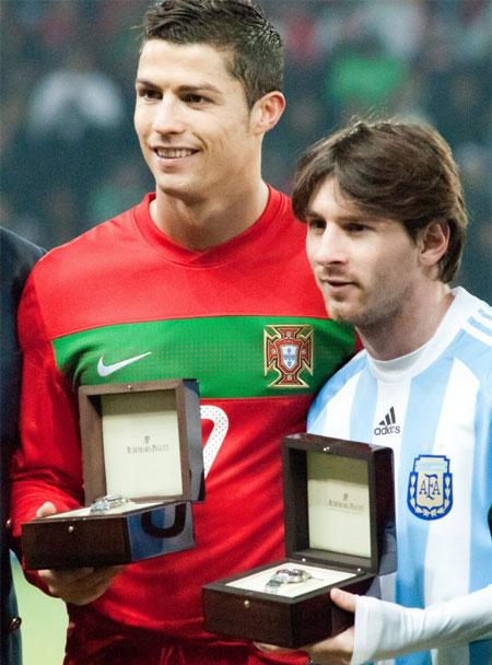 Suc hut von rat lon tu nhung cuoc doi dau Ronaldo - Messi duong nhu chua tao nen do nong cho tran giao huu Argentina - Bo Dao Nha