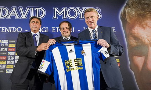 David Moyes(phai) duoc cho doi se thanh cong o Sociedad, mot doi bong nha ngheo tuong tu Everton, noi ong tung co 11 nam gan bo