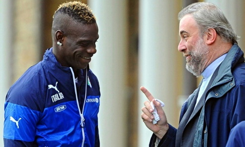 Linh muc Massimiliano tin tuong Balotelli se tro lai va thi dau thanh cong tai Liverpool