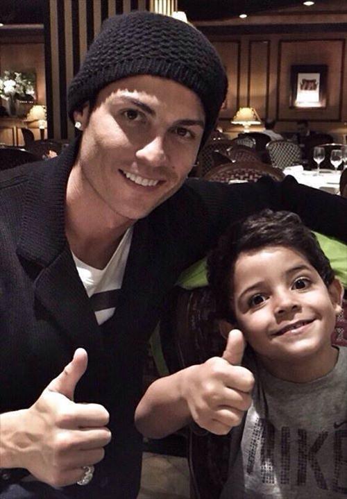 ronaldo with his son