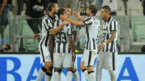 Juventus van vung vang tren dau BXH Serie A sau vong 10