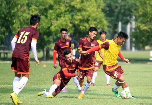 DT Viet Nam can hoan thien gi truoc AFF Cup hinh anh
