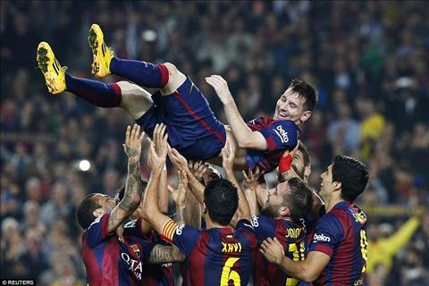 Ky luc moi cua Messi Loi canh bao cho Ronaldo hinh anh