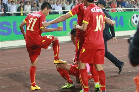 Du am Viet Nam 3-1 Philippines Cam xuc lan lon cua HLV Miura hinh anh