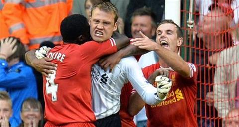 Liverpool mua Cech Tai sao khong hinh anh 2